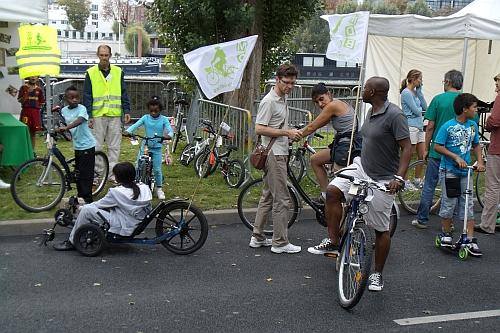 Le prêt de vélos remporte un vif succès, notamment les KMX