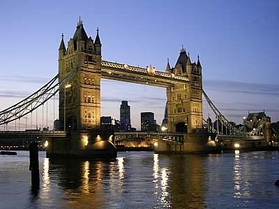 Paris-Londres_Tower_Bridge.jpg