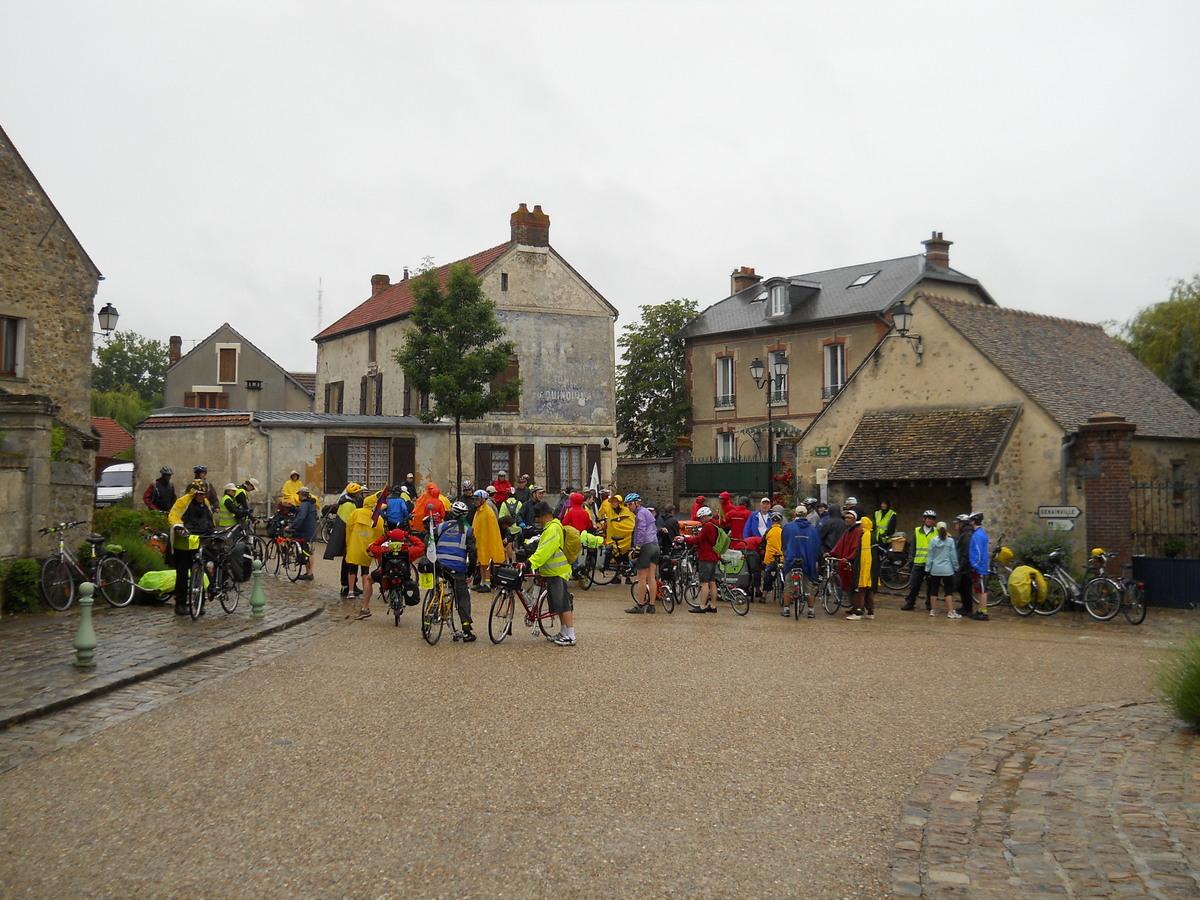 la pluie se calme à Maudétour-en-Vexin